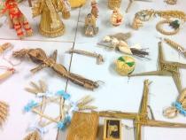 straw-ornaments